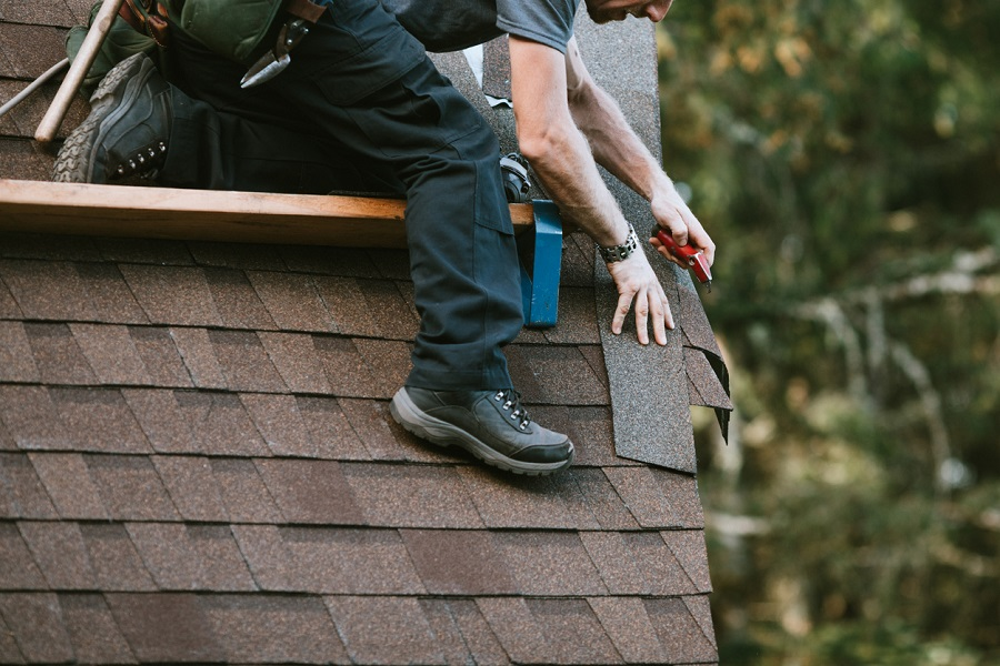 The Pros & Cons of Cedar Shingles