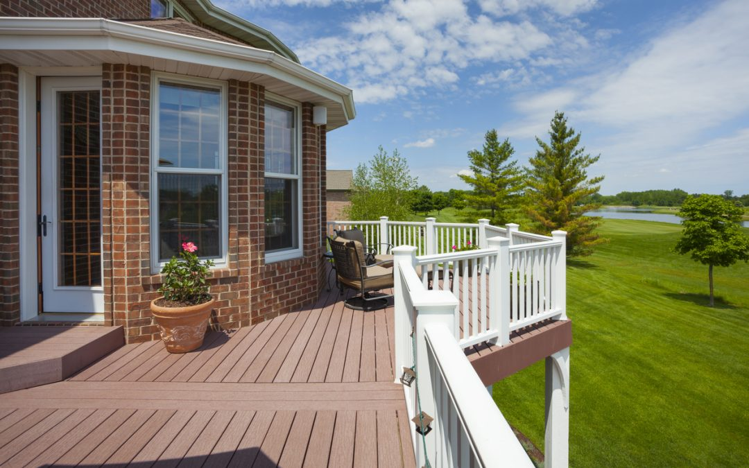 The Benefits of Vinyl Decking